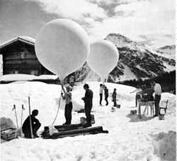 Balloons in Arosa for vertical ozone profiling, N46 46', E9 40', 1834m,  105°
